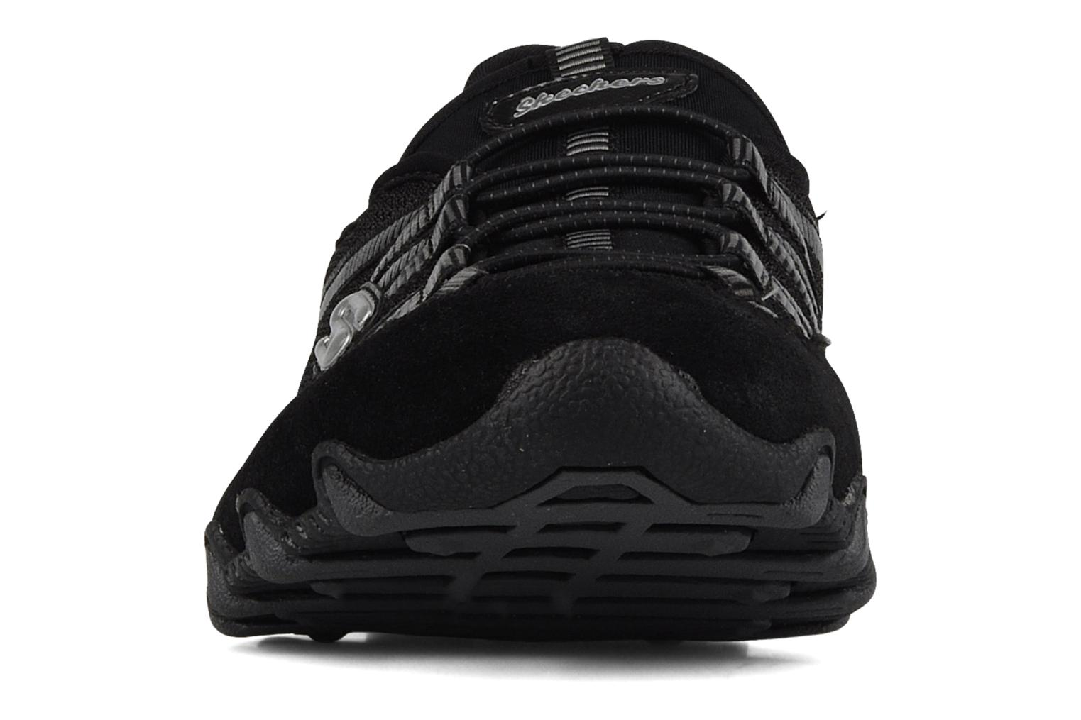 Sneakers Skechers Hot-ticket 21159 Nero modello indossato